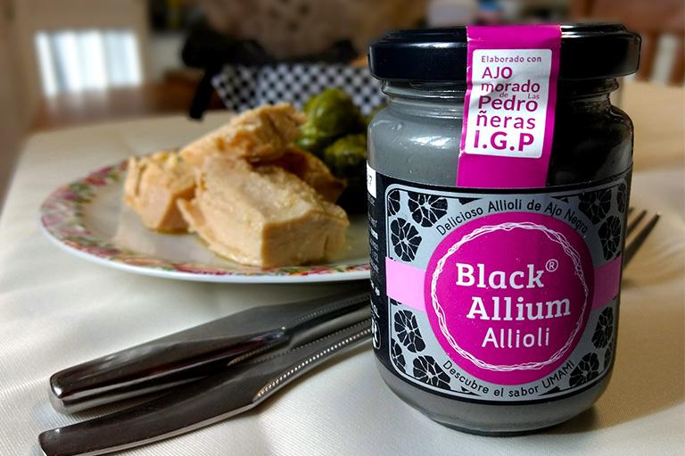 black allium allioli
